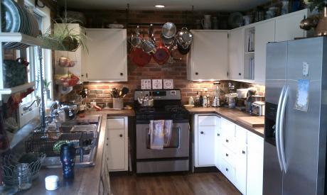 Happy Kitchen by Toni Frank